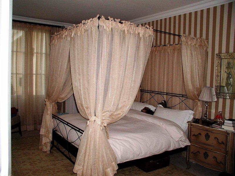 coulon et fils decorations classiques 4 rideaux de lit. Black Bedroom Furniture Sets. Home Design Ideas